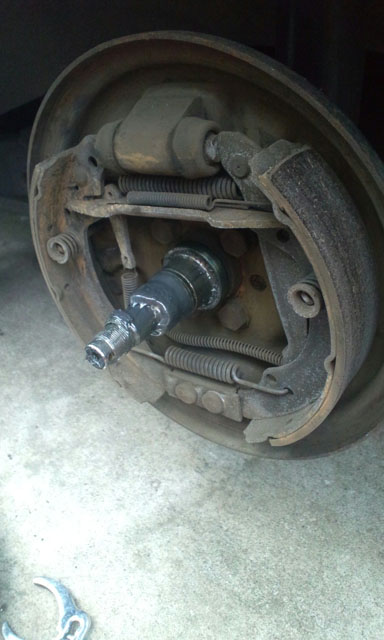 Rear Drums, wheel bearings and Brake shoes for Volkswagen GOLF MK2
